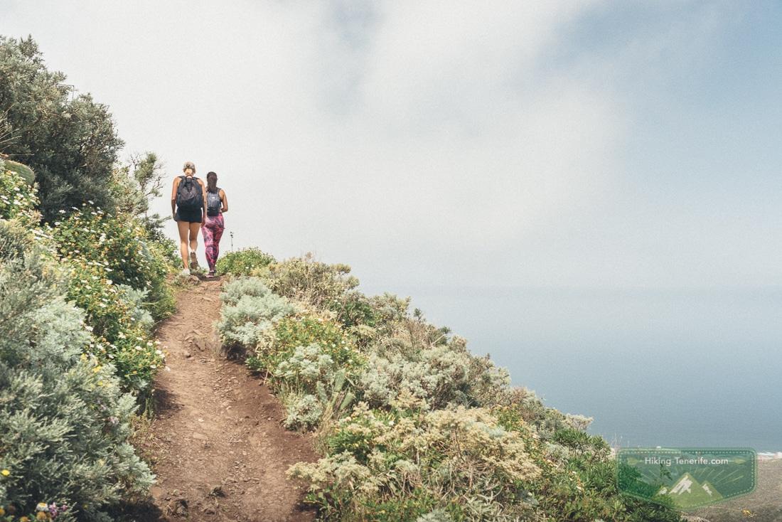 девушки в горах Тенерифе