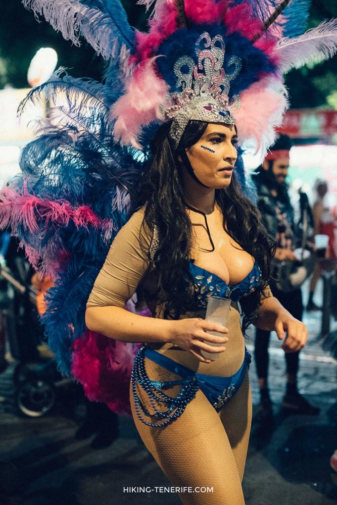 девушки на карнавале тенерифе