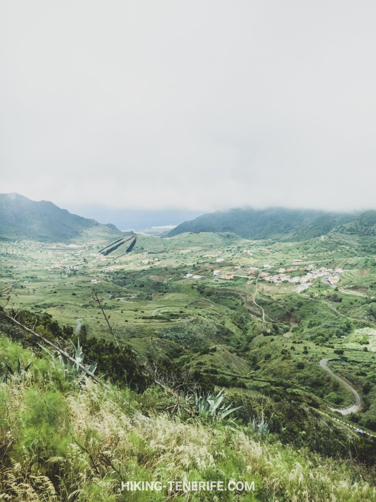 Тено и Водная гора. Облака, зелень и маки