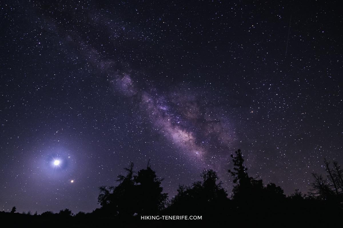 млечный путь на Тенерифе и луна