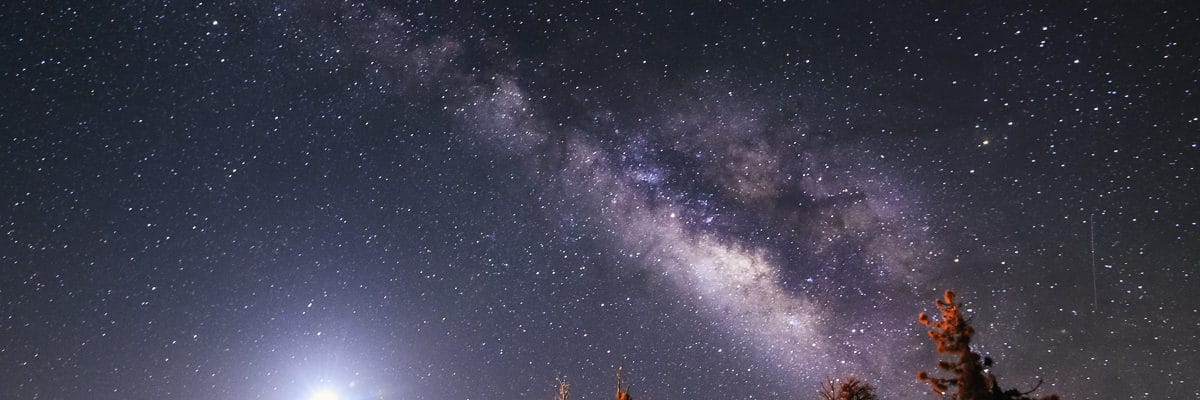 затмение луны и млечный путь
