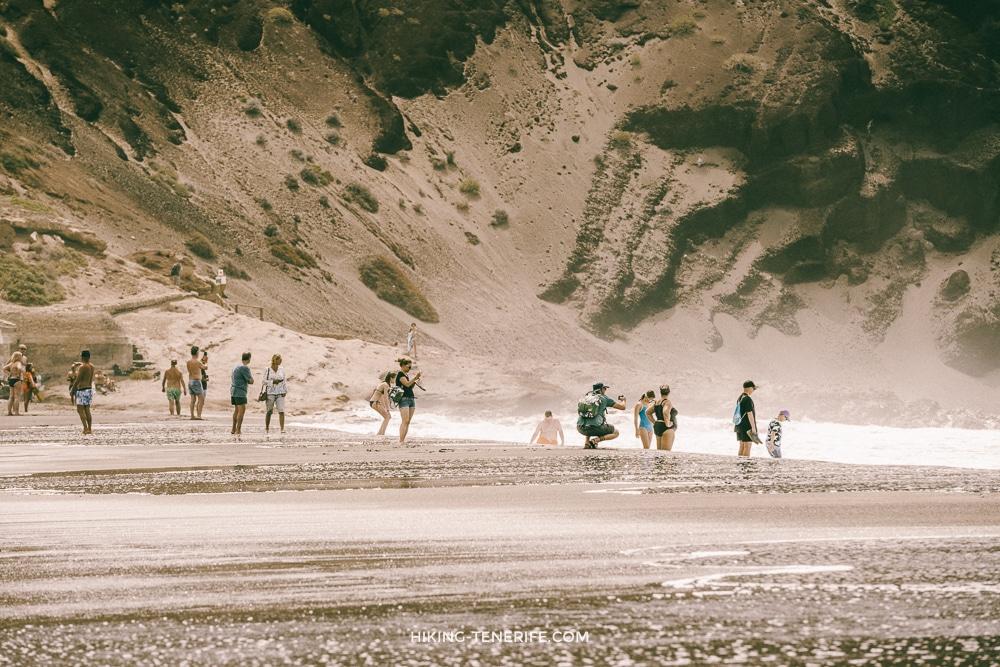 на пляже Тенерифе