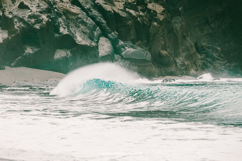 большая волна на Тенерифе