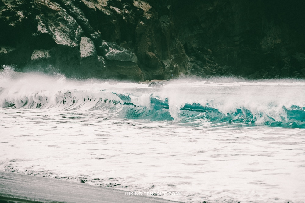 гигантские волны на Тенерифе
